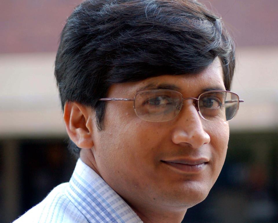 Dr. Diswajit Das